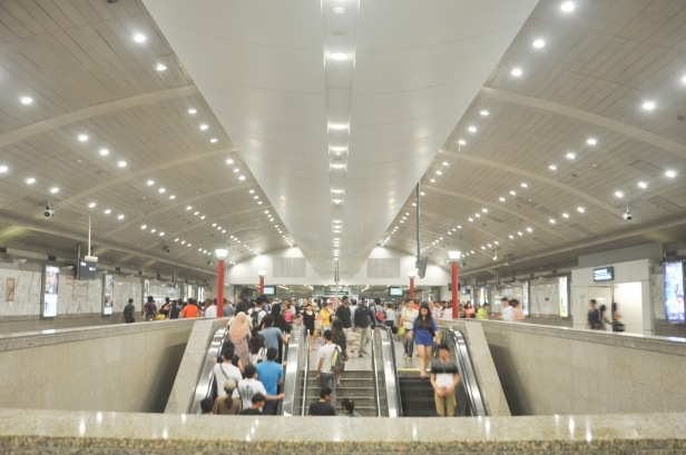Situation at the Lavender MRT Station in Singapore on May 16, 2015.