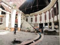 Bangunan pasar induk Kota Batam yang terbengkalai.