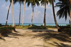 Pemandangan di daerah pesisir Pulau Midai, Natuna.
