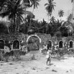 Bekas bangunan tua di Pulau Penyengat, Tanjungpinang.