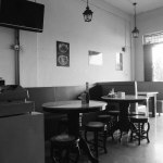 Suasana salah satu kedai kopi di Batam pada sore hari.