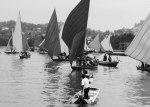 Atraksi perahu layar tradisional di Tanjung Riau.