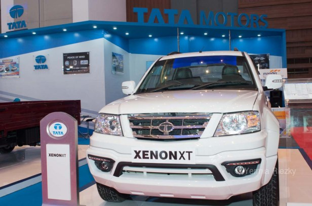 Makassar, Indonesia. 18th May, 2016. Tata Motors exhibits the Xenon XT series at GIIAS Makassar Autoshow in Makassar, Indonesia. Recent report said Indonesia car sales grew 4,6 percent (year to year) to 84.703 vehichle in April 2016 from 81.000 vehicles in the same month last year. This is a remarkable result as monthly car sales growth (on a year-on-year basis) had been declining for 16 straight months previously. © Yermia Riezky Santiago